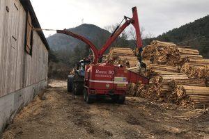 Transformation en bois déchiqueté